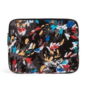 🆕Vera Bradley Laptop Sleeve - Splash Floral